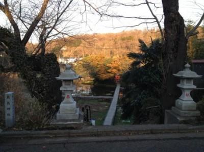 厳島神社に下りる道