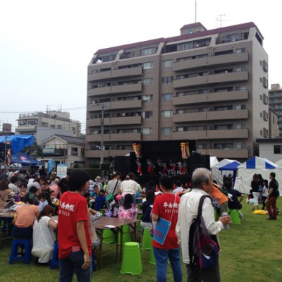 見附台広場のステージ