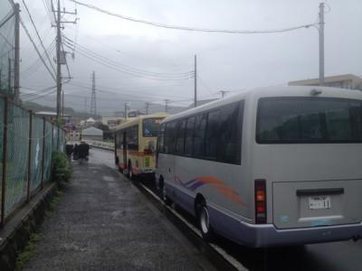 神職ご一行のバス