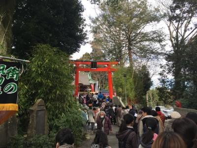 白笹稲荷神社初午祭の参拝列